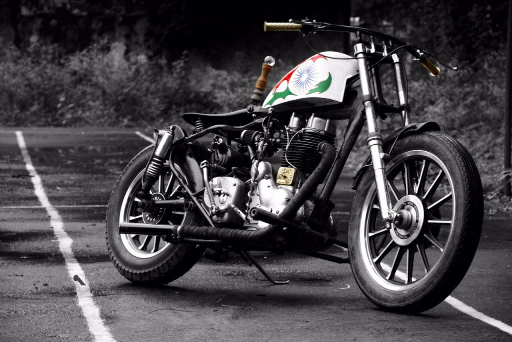 36 Moto Mohit Chawda Royal Enflied 350 iron block custom bike - independence day