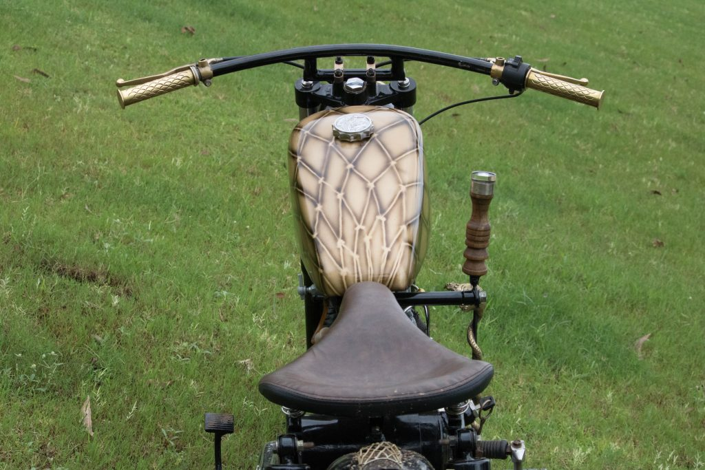 36 Moto Mohit Chawda Royal Enflied 350 iron block custom bike leather seat
